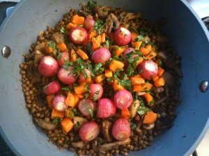 Radish and carrot salad with lentils and mushrooms